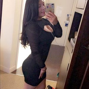 Black and Sexy Dress!!